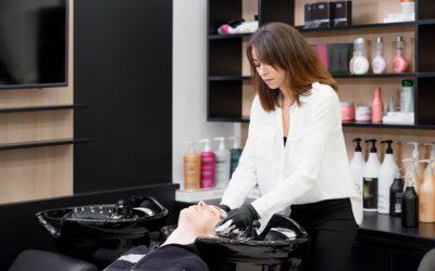 Comment choisir sa coiffeuse de salon ?